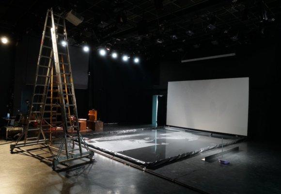 Backstage - g1
