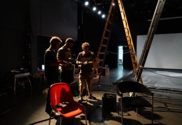 backstage - g2